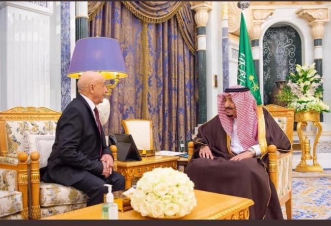 Suudi Arabistan Kralı Selman bin Abdulaziz ve Akile Salih. Fotoğraf: KPA