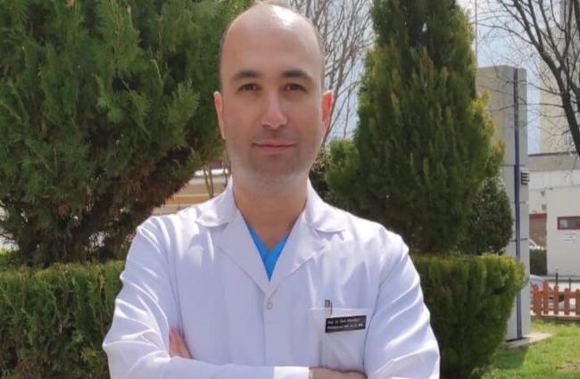 Enfeksiyon Hastalıkları ve Klinik Mikrobiyoloji Uzmanı Doç. Dr. Ümit Savaşçı