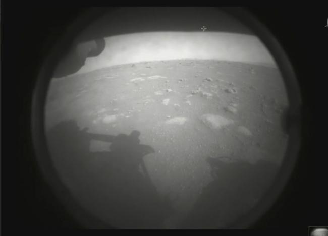 Perseverance'den ilk Mars görseli (Fotoğraf: NASA)