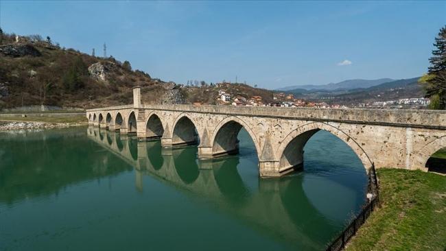 Bosna Hersek'in en önemli Osmanlı eserlerinden Sokollu Mehmed Paşa Köprüsü'nün TİKA tarafından restore edilmesi, Balkanlar'da yürütülen kritik projelerden biri. Fotoğraf: AA