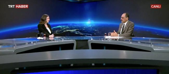 TRT Haber Koordinatör Yardımcısı Aysun Torun Orhan ile Cumhurbaşkanlığı Sözcüsü İbrahim Kalın. Fotoğraf: TRT Haber