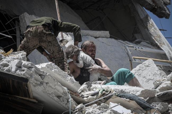 Suriye'de saldırıların hedefi çocuklar.
