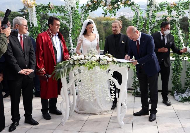 Bakan Soylu, Bursa'da yetim ve öksüz çocuklarla bir araya geldi