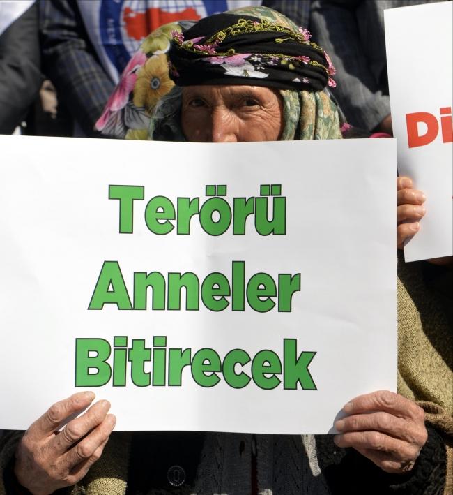 Güvenlik güçlerinin operasyonlarına 'annelerin' de desteği eklenince örgüte katılım tarihin en düşük seviyesinde kaldı. Foto: AA