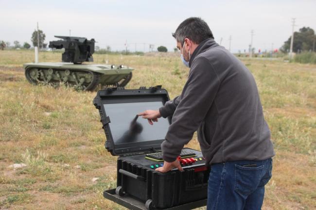 Silahlı insansız kara araçları, 2021'de Kara Kuvvetleri Komutanlığına teslim edilecek.  Foto: AA