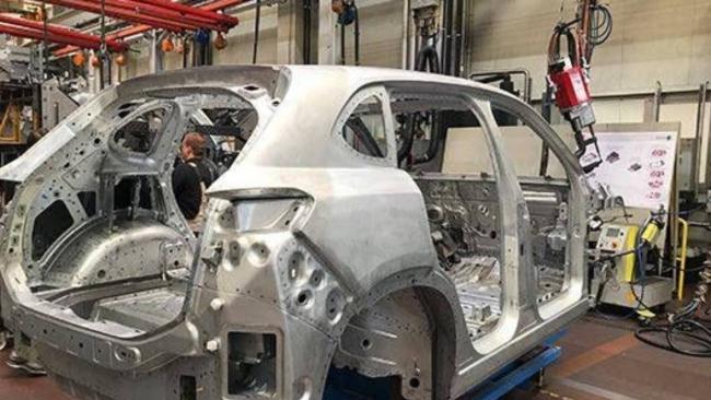 Yerli otomobilde önemli adım: İlk gövdenin montajı yapıldı