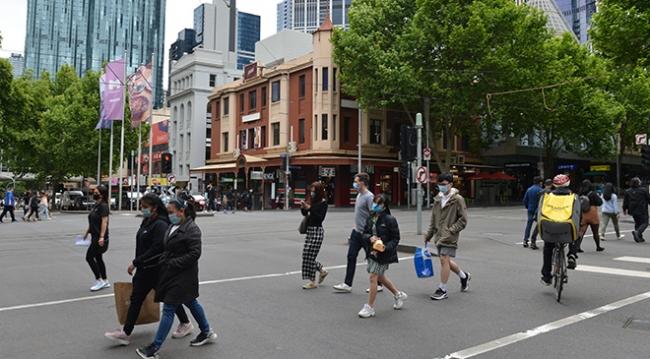Melbourne salgında ikinci dalgayı yendi