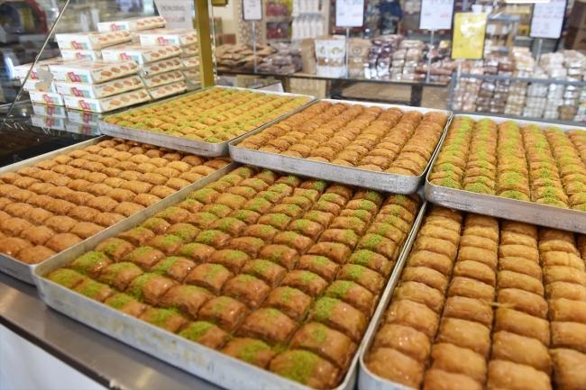 Ankara Halk Ekmek Fabrikası günlük 400 kilogram baklava üretiyor
