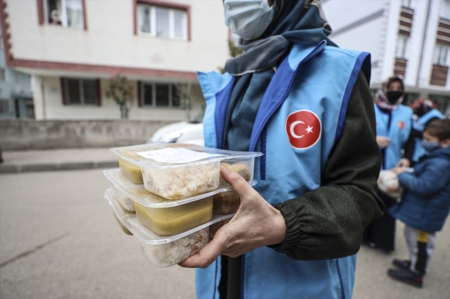 TDV, ramazanda 20 bin kişiye iftarlık kumanya dağıtacak