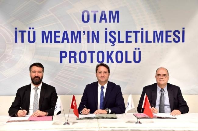 Prof. Dr. Metin Gökaşan (Sağ-1)