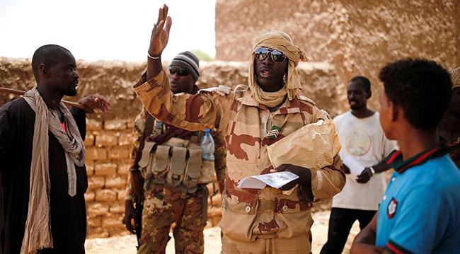 Barkhane operasyonu kapsamında görev yapan Mali askerleri. Fotoğraf: Reuters