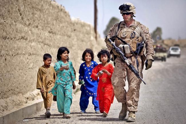 Afganistan'daki savaş ülkedeki çocukların da geleceğini kararttı.