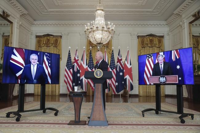 ABD Başkanı Biden, İngiltere Başbakanı Johnson ve Avustralya Başbakanı Morrison.