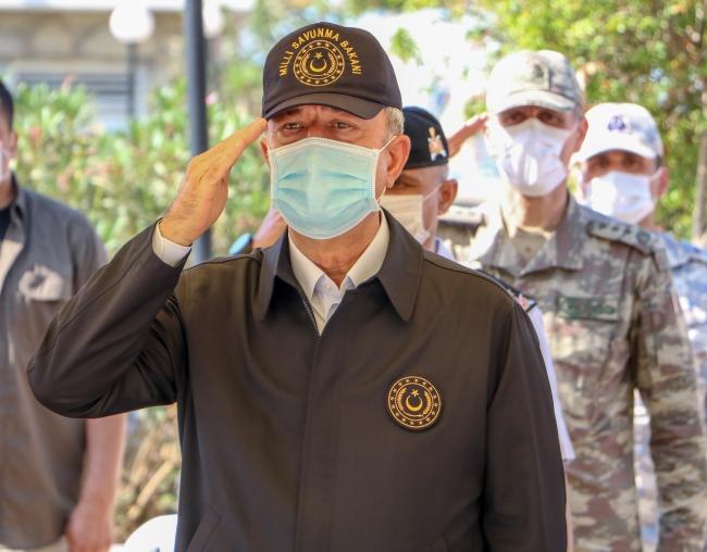 Bakan Akar, Topçu Yüzbaşı Mustafa Ertuğrul Aker'i anma töreninde. / Fotoğraf: DHA