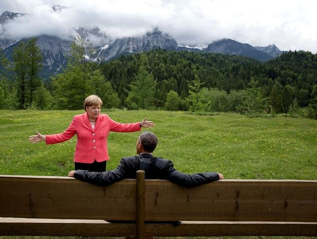 2013'de benzer bir skandal yaşanmış ve ABD Başkanı Obama, ülkesinin diğer liderleri dinlemeyeceğine söz vermişti. Merkel ile Obama aynı karede. Foto: Reuters.