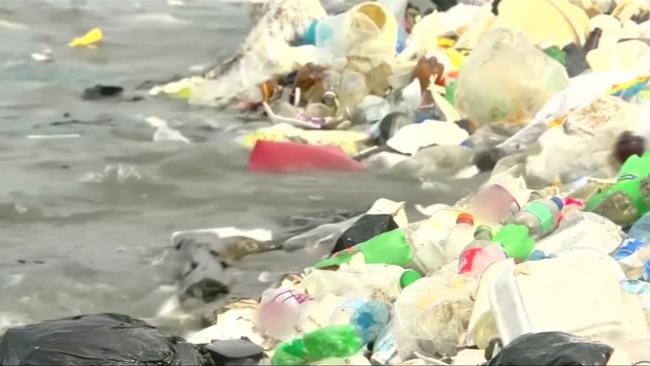 Salgınla birlikte doğa düşmanı plastiklerin kullanımı arttı