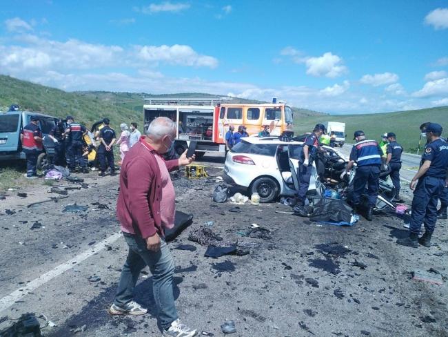Sivas'ta kaza: 9 kişi hayatını kaybetti