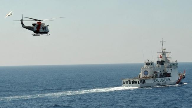 Sahil Güvenlik Komutanlığı farklı platformlarla arama-kurtarma faaliyetlerine imza atıyor.