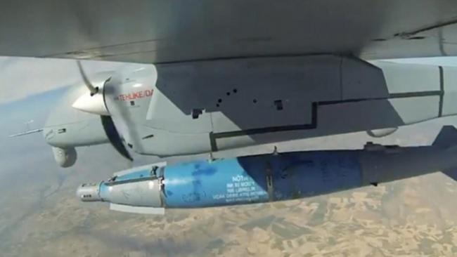 Aksungur'un TEBER-82 mühimmatını atışından bir kare.