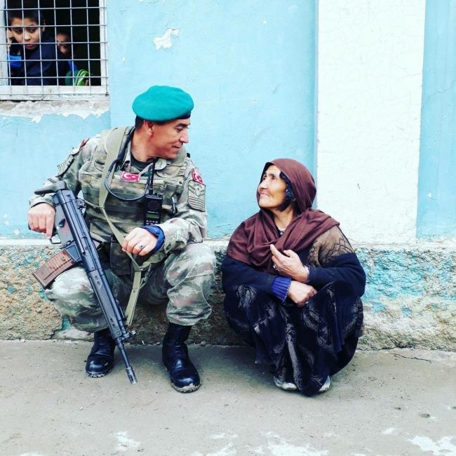 Türk askeri, görev süreci boyunca Afgan Halkı ile çok iyi ilişkiler kurdu.