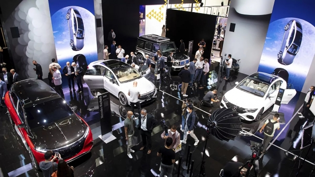 Otomobil fuarlarında yeni dönemin başrol oyuncusu elektrikli araçlar oluyor.